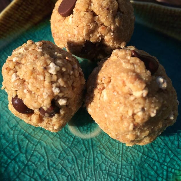 Peanut butter balls_web