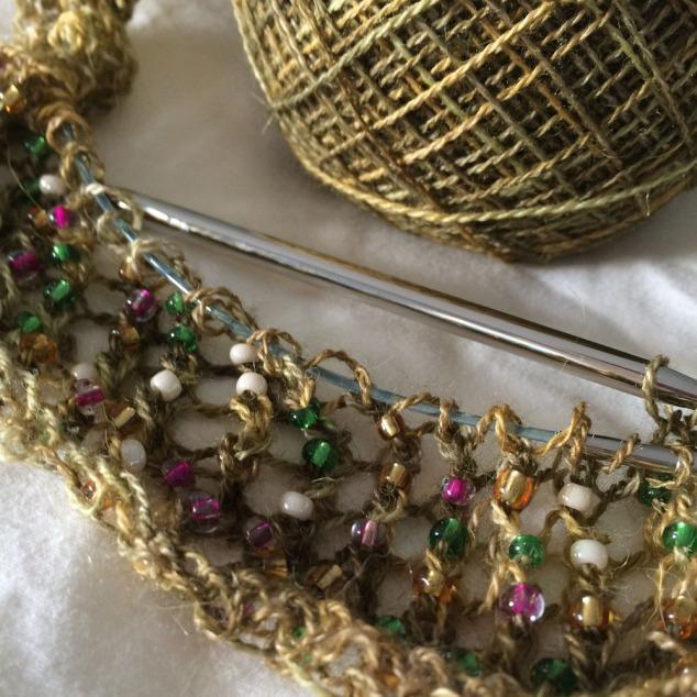 Beads knit